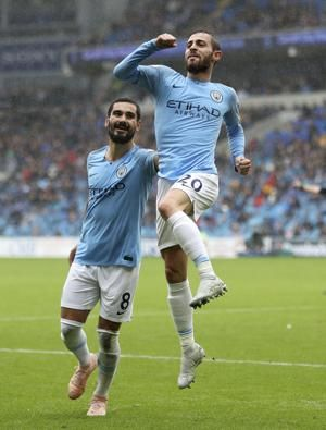 Aguero marks new deal with goal as City thrashes Cardiff 5-0