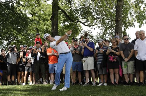 Justin Thomas holds on to win BMW Championship