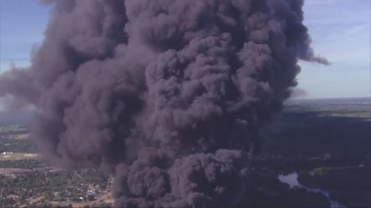 Chemical plant fire, smoke plume in Rockton fuels air quality concerns