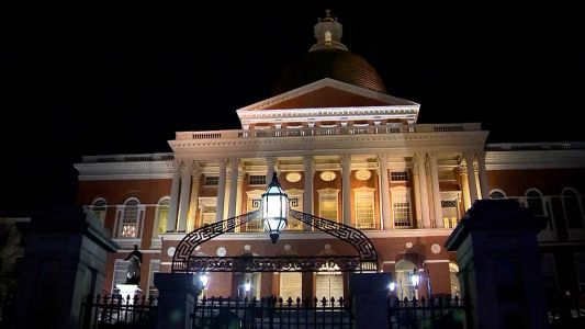 Mass. lawmakers scrambling to keep some COVID-19 emergency measures