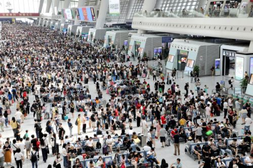 China's railways brace for Mid-Autumn Festival travel peak
