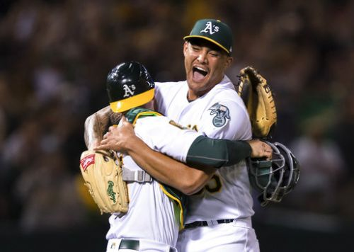 A's Manaea pitches 1st no-hitter against Red Sox in 25 years