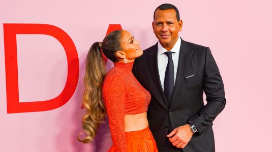 Jennifer Lopez and Alex Rodriguez Being Loved Up After She Gets Off Stage Is the Purest Thing - Watch!