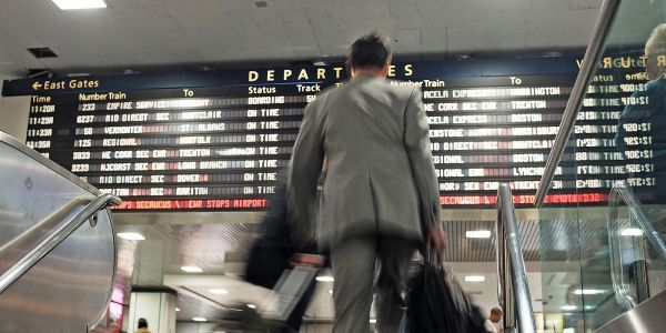 A power outage on one of the US's busiest rail corridors is wreaking havoc on Amtrak service