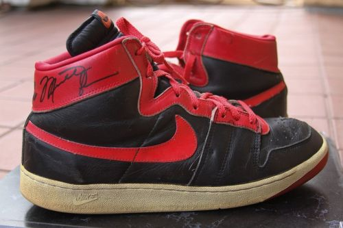 An Up-Close Look at Michael Jordan's Banned Air Ship