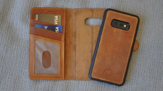 Consolidate Your Everyday Carry with These Wallet Phone Cases