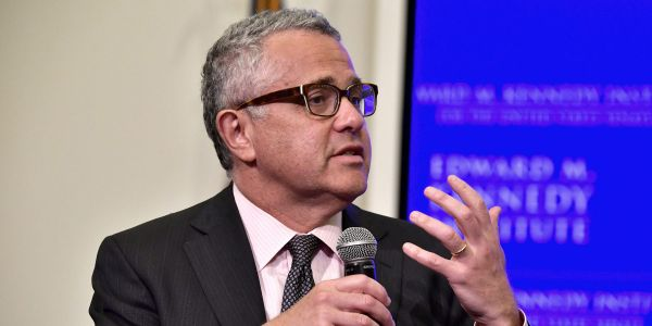 Jeffrey Toobin returns to CNN and apologizes for his 'moronic' behavior 7 months after Zoom masturbation incident