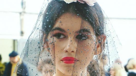 Gauzy Veils and Fuchsia Lips Made a Memorable Beauty Moment on Chanel's Spring 2018 Couture Runway