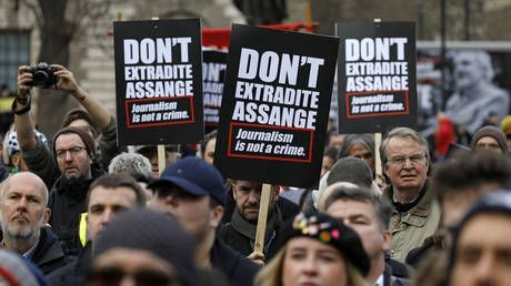 'First they came for Julian, next for you': Waters, Westwood join massive London rally against Assange extradition