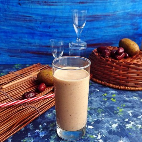 Chikoo and Dates Smoothie