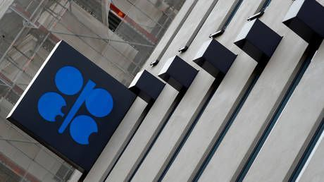 Russia & OPEC reportedly agree on new oil production cuts to prop up global crude prices