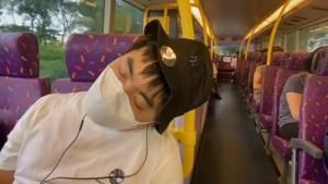 'Snooze Bus' helps tired passengers fall asleep