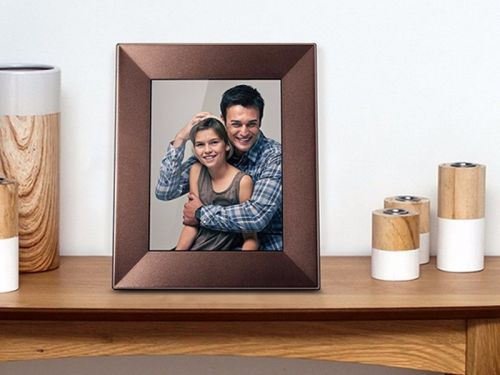This digital picture frame is a great gift for the home - and it's $70 cheaper today