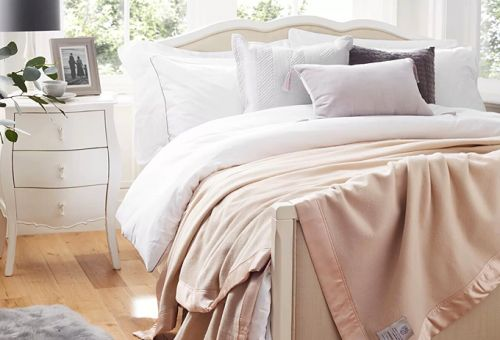 How to make a bed like a luxury hotel