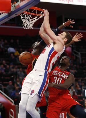 Holiday scores 37 points, Pelicans beat slumping Pistons