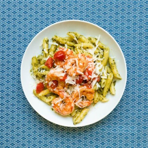 Shrimp and cherry tomato pesto