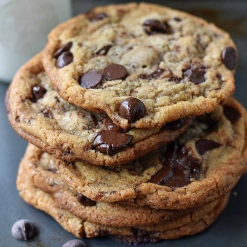 Chewy Crispy Chocolate Chip Cookies