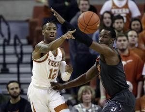 Texas senior Kerwin Roach suspended for team rules violation