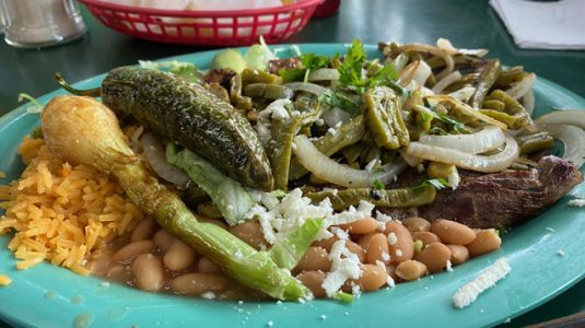 Pete Wells gets the Tex but not the Mex. What the American intelligentsia gets wrong about Texans, our culture, and how and what we eat