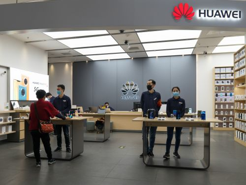 Huawei is downplaying coronavirus impact on its smartphone sales, but experts say it will suffer more than Apple