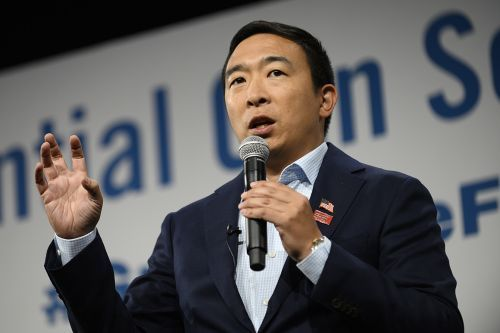 Andrew Yang to announce $120,000 giveaway during debate