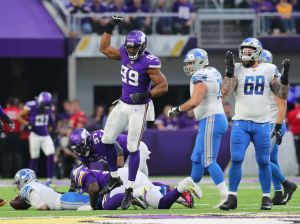 Vikings' DE Danielle Hunter Becomes Youngest NFL Player To Notch 50 Sacks