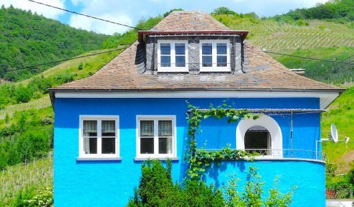 How to Become a House Sitter and Never Pay for Accommodation