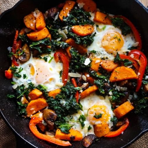 Kale & Sweet Potato Breakfast Skillet