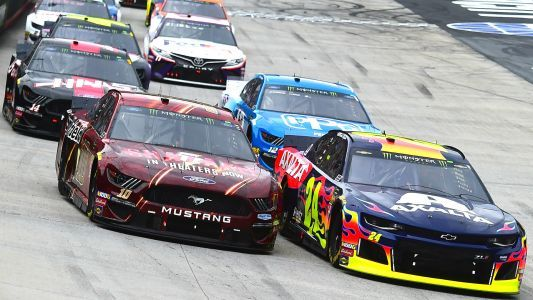 What time does the NASCAR race start today? TV schedule, channel for Bristol night race