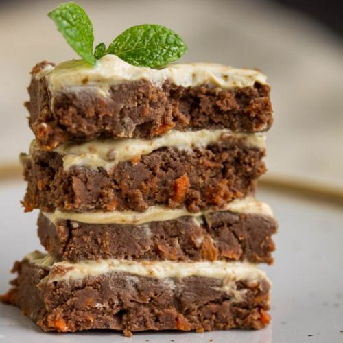 Healthy No-bake Carrot Cake Bars