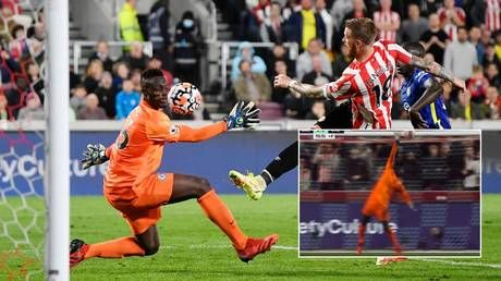 'Best in the world': Chelsea keeper Mendy in phenomenal display as Blues beat Brentford to return to top of Premier League