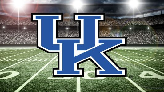 Kentucky remains unbeaten in 48-10 romp over Murray State
