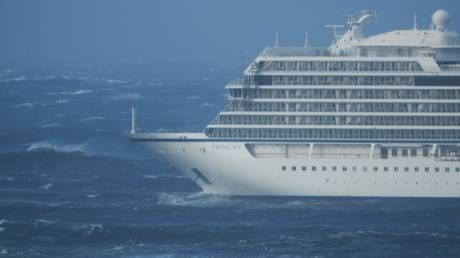 Cruise ship in distress for over 15 hours off Norway's coast, 900+ waiting for evacuation