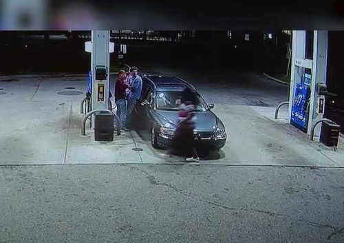 VIDEO: Spring breakers tackle gunman in bungled robbery at gas station