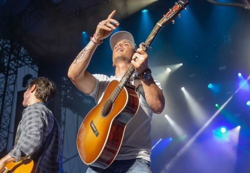 Granger Smith makes first public appearance following death of 3-year-old son