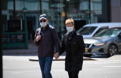 Masks and social distancing work, new analysis finds