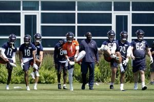 Bears sign first-round pick Fields to 4-year deal