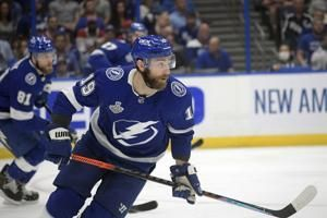 NHL roster freeze lifts, flat cap prompts money-saving moves
