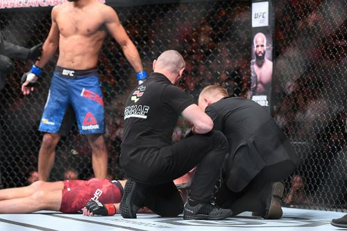 Watch 'The Bermudez Triangle' win fourth straight fight via triangle choke at UFC Hamburg