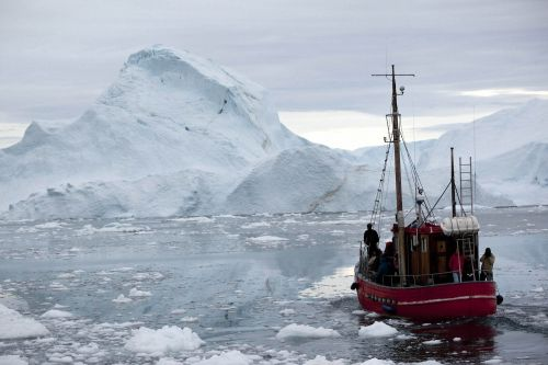 An engineering firm wants to tow icebergs thousands of miles from Antarctica to quench the driest areas of the world - and it's starting with Dubai