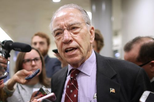 Iowa poll shows drop in support for Grassley