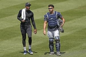 Yankees closer Chapman has COVID-19, mild symptoms