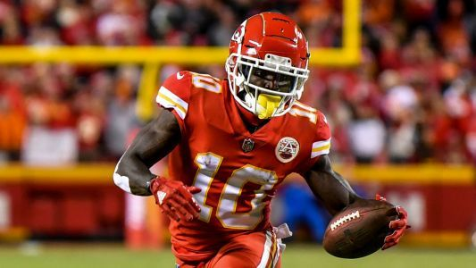 Tyreek Hill injury update: Chiefs WR expected to play vs. Chargers, report says