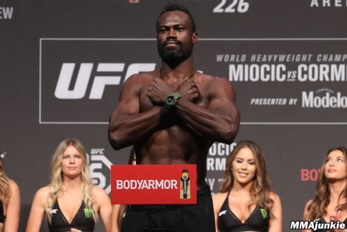 UFC on ESPN+ 39 breakdown: Does Anderson Silva have enough left to shock Uriah Hall?