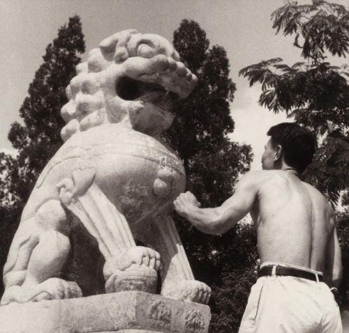 In Pictures: A Collective Chronicle of One Century in China