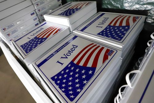 Feds wrongly tell new US citizens they missed chance to vote