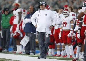 AP source: Fresno State coach Jeff Tedford stepping down