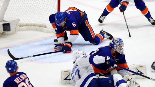 Islanders' Ryan Pulock makes last-second save to even series with Lightning