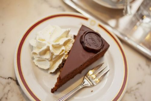 Daily Dose of Europe: Cafe Chitchat, Chocolate Cake, and the Vienna Opera
