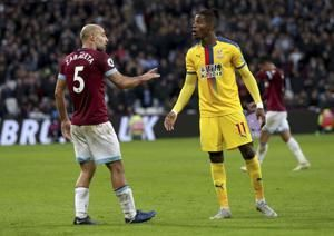 West Ham scores 3 second-half goals to beat Palace 3-2